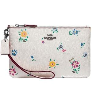 🆕 COACH Wildflower Leather Wristlet In White